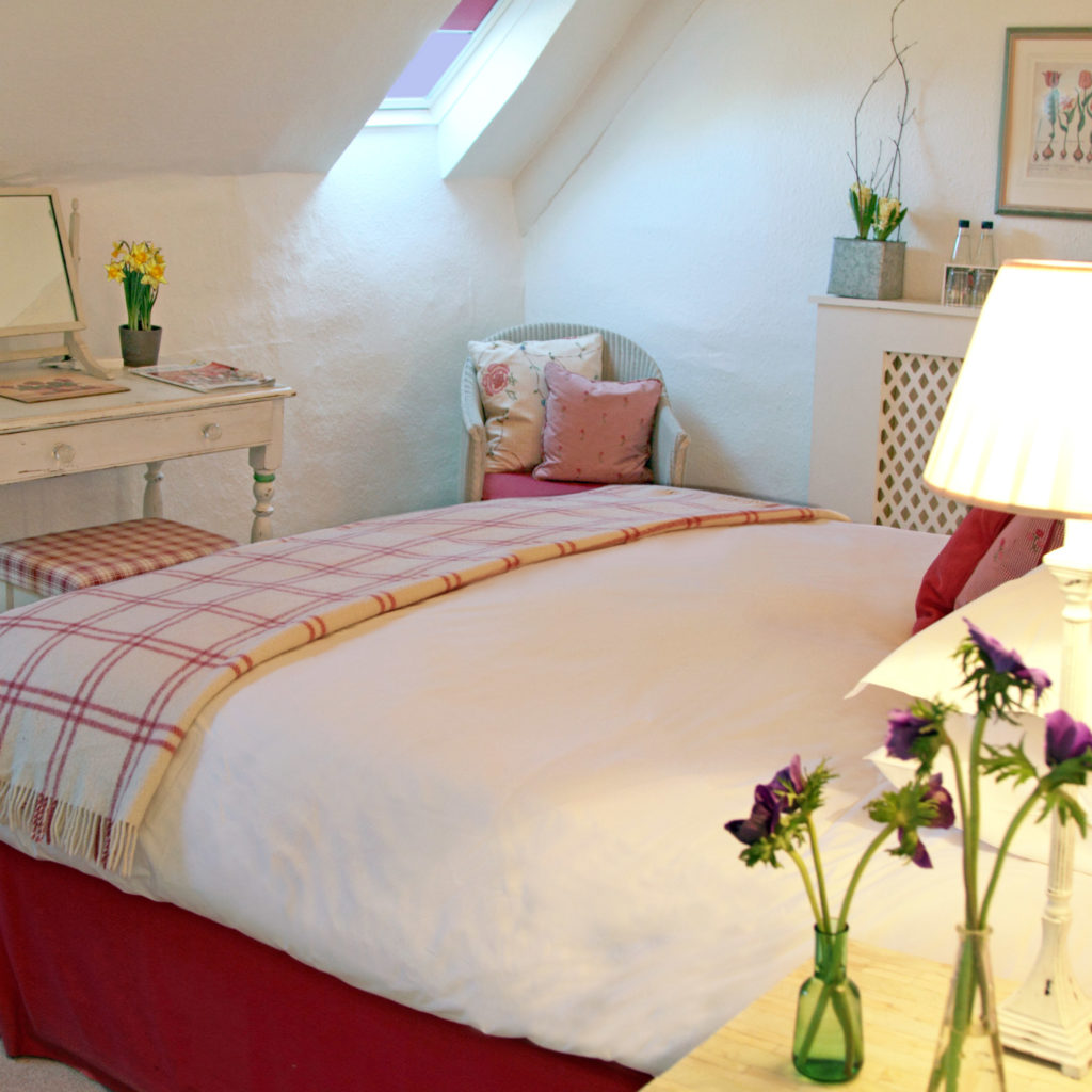 A CHARACTERFUL COTSWOLDBEDROOM